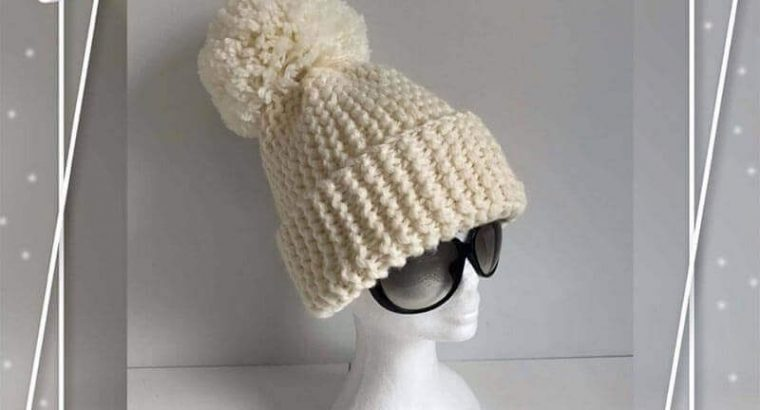 Oversized Ivory Knitted Hat with Pom Pom