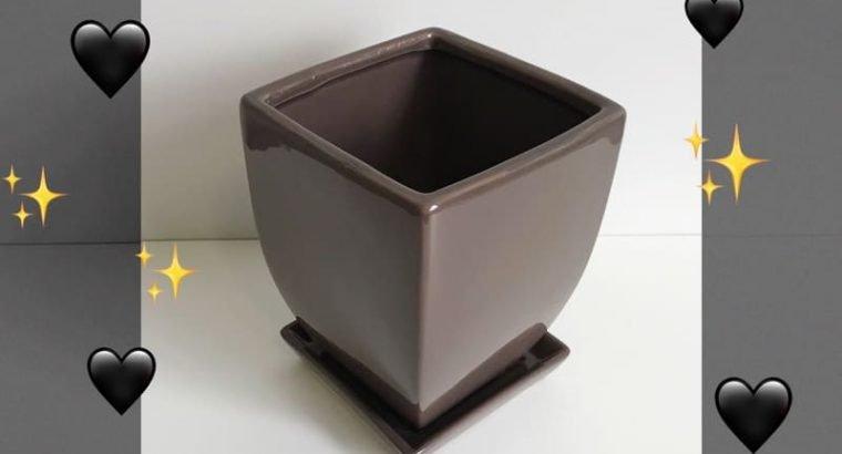 Ceramic Taper Pot Chocolate Colour